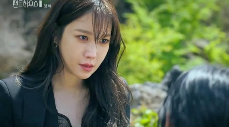 Penthouse 3 tập 1: Vì Rona mà Seok Kyung hắc hóa, Ju Dan Tae chết hụt 2 lần-25