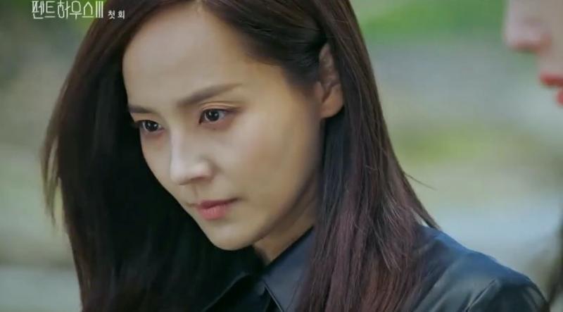 Penthouse 3 tập 1: Vì Rona mà Seok Kyung hắc hóa, Ju Dan Tae chết hụt 2 lần-26