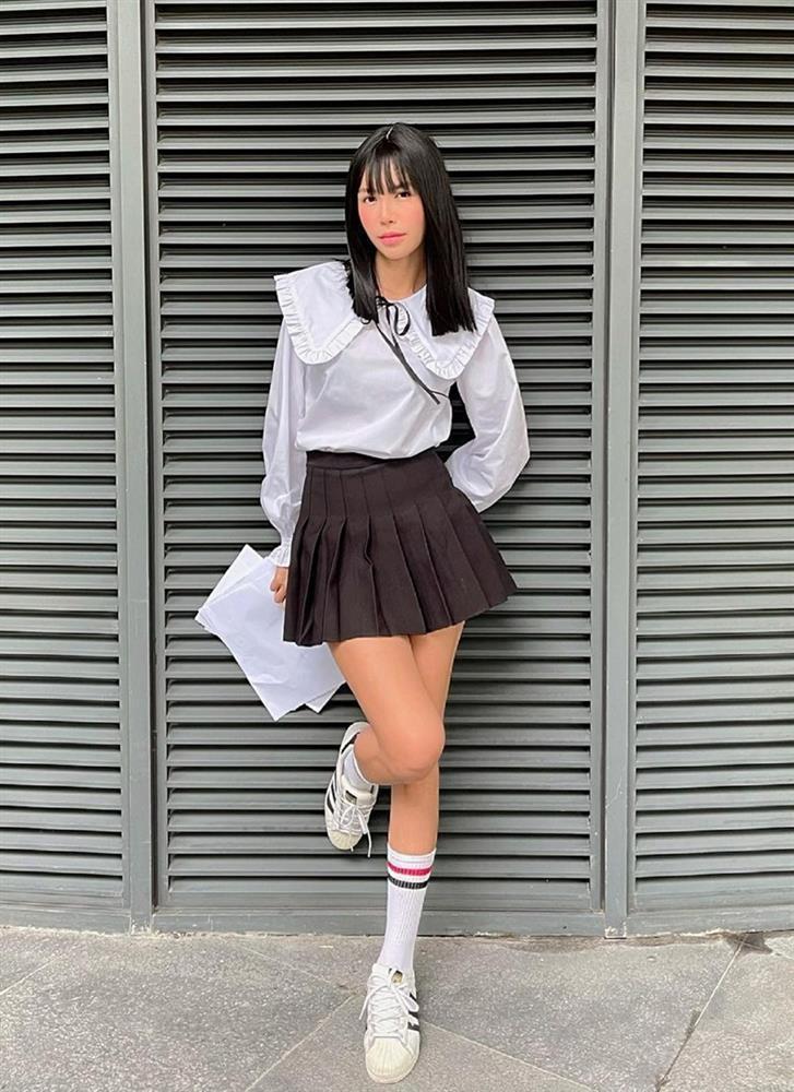 Style cuối tuần: Diệp Lâm Anh hack tuổi như gái teen - Lan Ngọc diện màu hot nhất năm-6