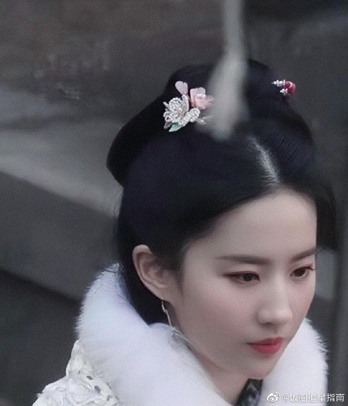 Lưu Diệc Phi đẹp xuất sắc tại Mộng hoa lục nhưng đứng cạnh mỹ nhân vô danh lại lộ khuyết điểm-2