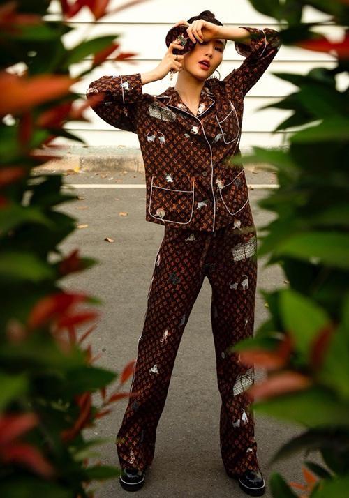 Đồ ngủ pyjama cũng trở nên sành điệu qua bàn tay Minh Tú!