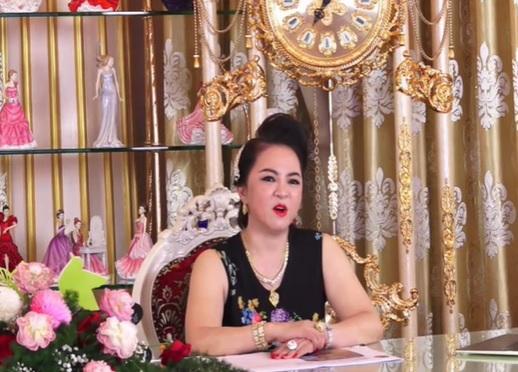 Bà Phương Hằng lật tung zĩ zãng zơ záy của Phi Phi cô nương-2