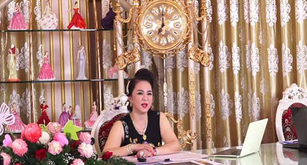 Bất ngờ quyết định của bà Phương Hằng về việc đóng cửa Đại Nam-1