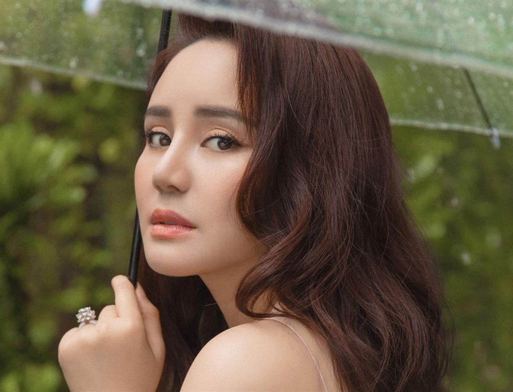 Vy Oanh bị dùng trò bẩn bịt miệng sau drama với bà Phương Hằng-2
