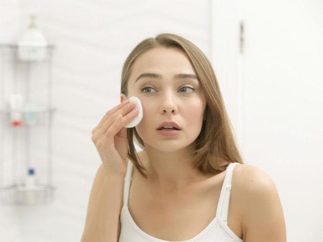 6 sai lầm khi rửa mặt khiến da bạn xấu đi mỗi ngày