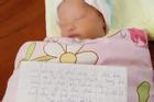 Bé sơ sinh bị bỏ rơi nằm khóc ngoài đường lúc rạng sáng kèm bức thư nhắn gửi của người mẹ