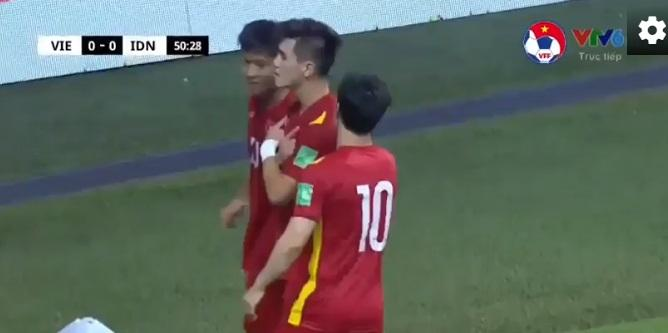 Giải mã bóng chạm tay Tiến Linh, tuyển Việt Nam vẫn được ghi nhận bàn thắng-1