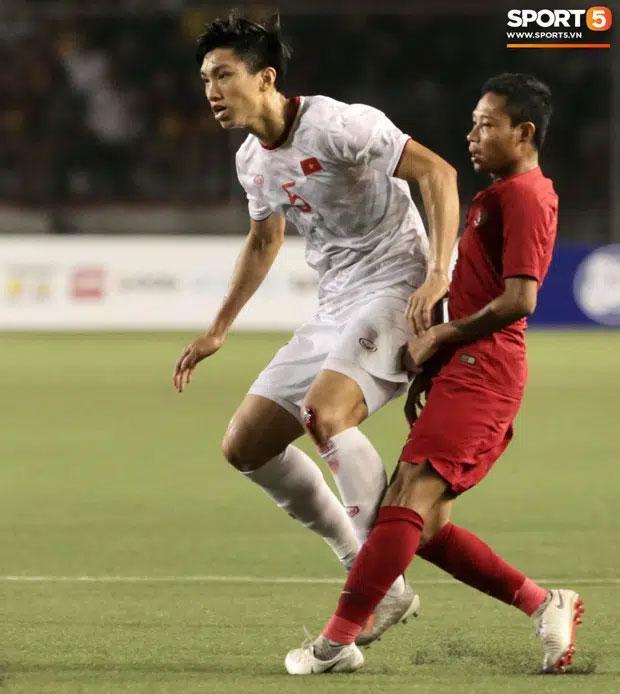 Vì sao Văn Hậu chỉ đá 11 phút nhưng là nỗi ác mộng của tuyển Indonesia?-4
