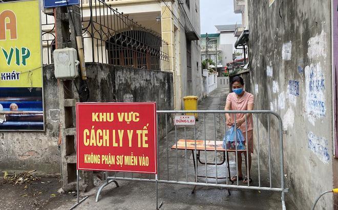 Hà Nội: Thêm một người bán rau tại Đông Anh dương tính Covid-19-1
