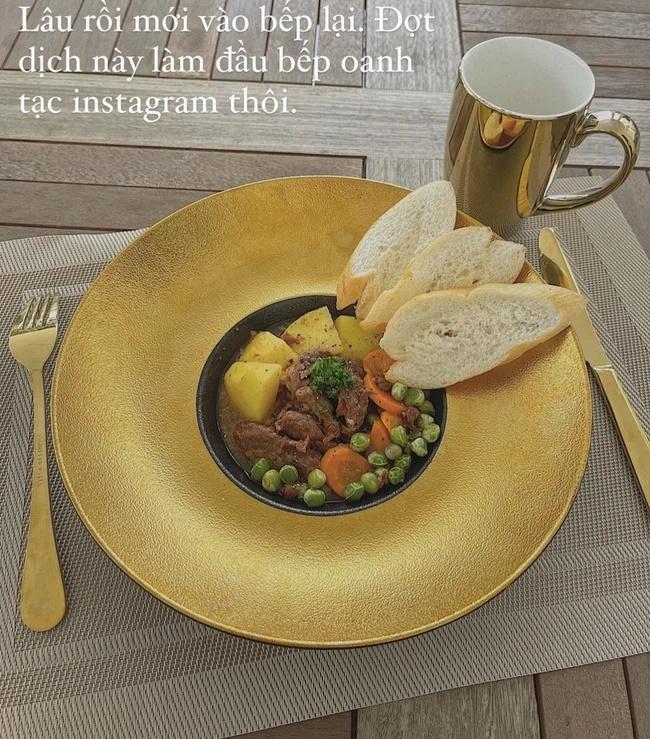 Lan Khuê nấu ăn khéo, bát đĩa tông xuyệt tông đẹp mắt