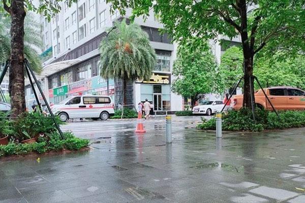 Hà Nội: Người phụ nữ rơi từ tầng 18 chung cư cao cấp tử vong thương tâm-1