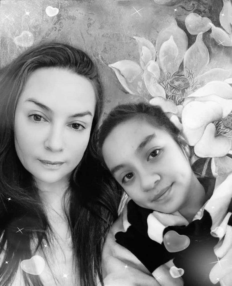 Phi Nhung comeback nước Mỹ: Ông nói về diễn show, bà bảo thăm con gái-4