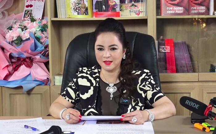 Netizen biên nhạc cho bà Phương Hằng hát live, viral tràn khắp cõi mạng-1