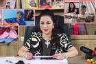 Netizen 'biên nhạc' cho bà Phương Hằng hát live, viral tràn khắp cõi mạng