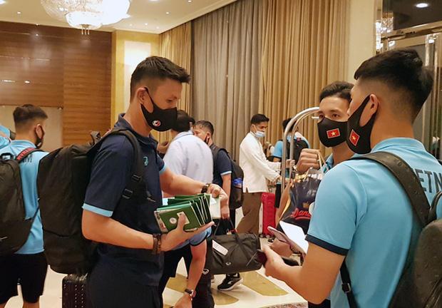 Lóa mắt trước nơi ăn chốn ở của tuyển Việt Nam tại Dubai-2