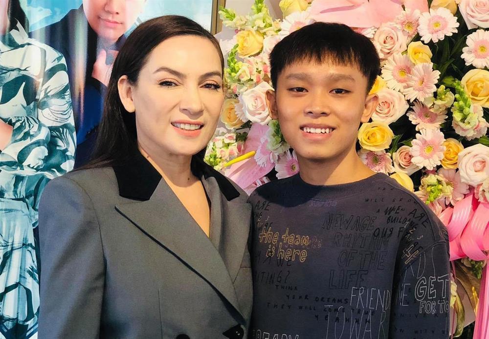 Hồ Văn Cường khiến cả mẹ ruột lẫn Phi Nhung phải khóc rưng rức-1