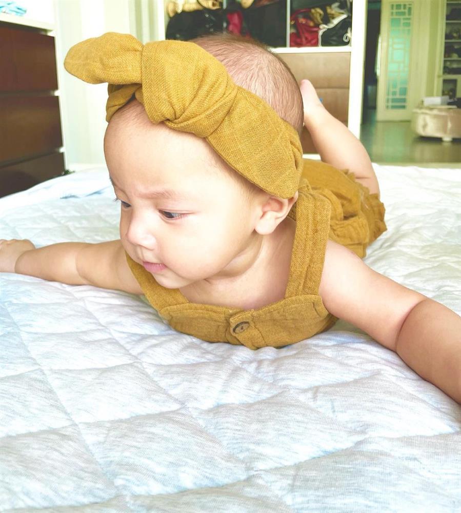 Con gái Hồ Ngọc Hà hóa công chúa đời thường, nhìn xinh muốn xỉu-11