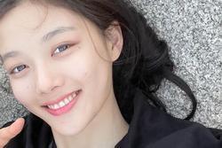 'Sao nhí' Kim Yoo Jung giản dị vẫn xinh lung linh