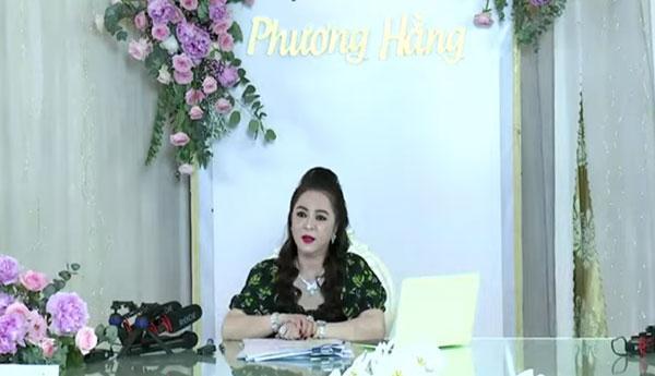 nguyen-phuong-hang-2.jpg