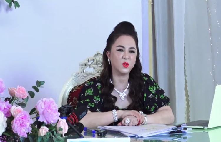 Bà Phương Hằng nói về nghệ sĩ tên L: Đánh bạc hết tiền rồi, giờ lay lắt qua ngày thôi-1