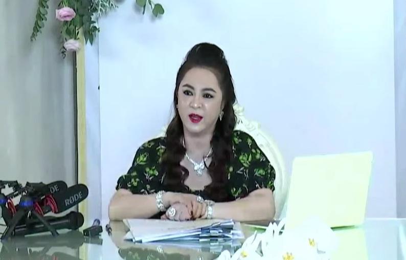 Bà Phương Hằng nói về nghệ sĩ tên L: Đánh bạc hết tiền rồi, giờ lay lắt qua ngày thôi-2