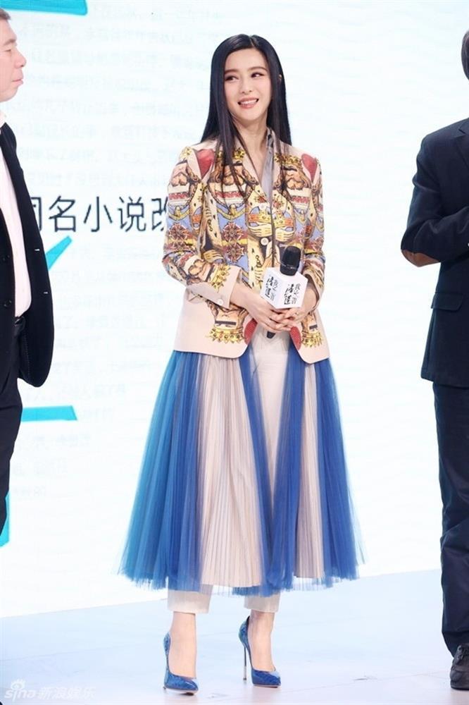 Từng là biểu tượng thời trang nhưng không ít lần Phạm Băng Băng mặc xấu-4