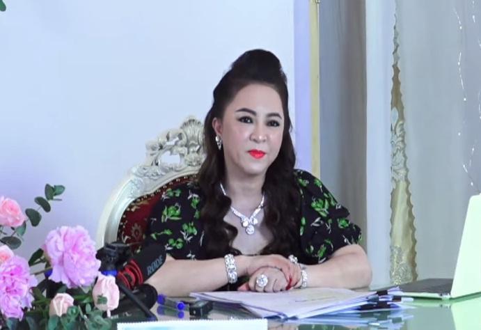 Sao Việt duy nhất được bà Phương Hằng khen trong Đại Hội Vạch Mặt-1