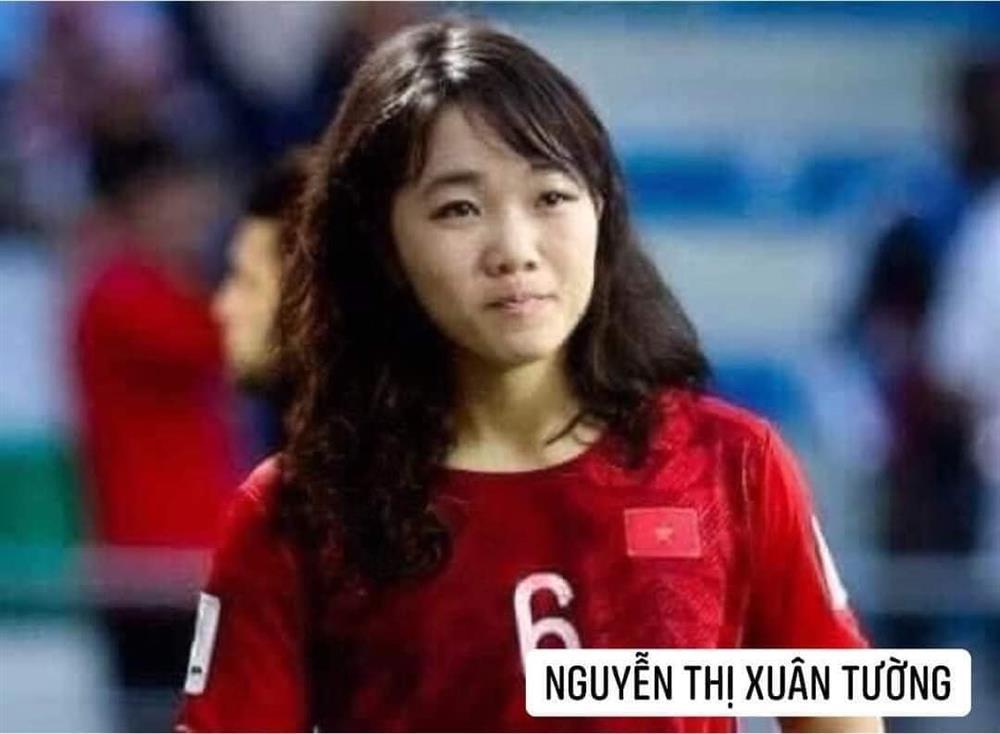 Trước trận gặp Malaysia, tuyển Việt Nam chuyển giới xinh như mộng-6