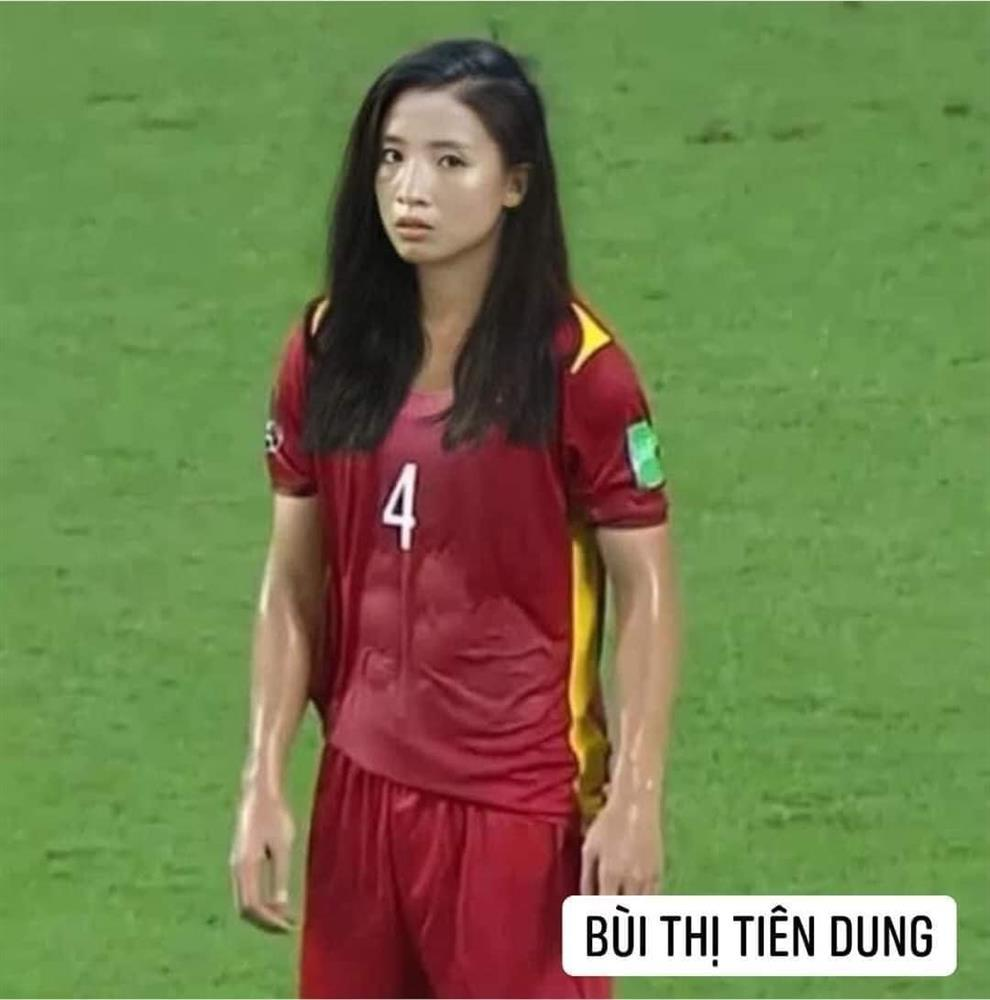Trước trận gặp Malaysia, tuyển Việt Nam chuyển giới xinh như mộng-12