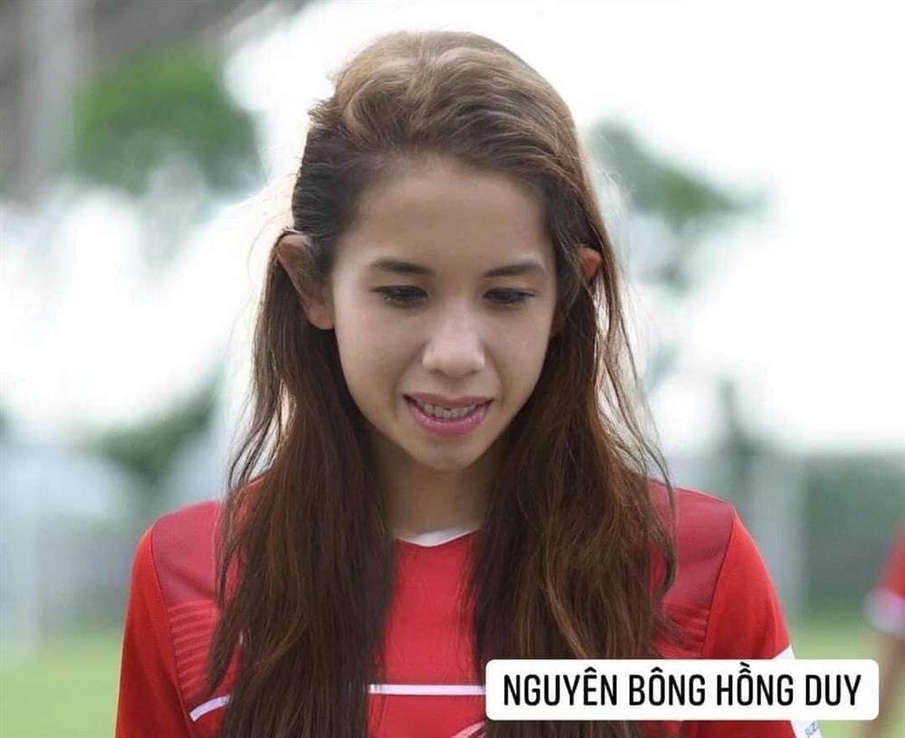 Trước trận gặp Malaysia, tuyển Việt Nam chuyển giới xinh như mộng-13