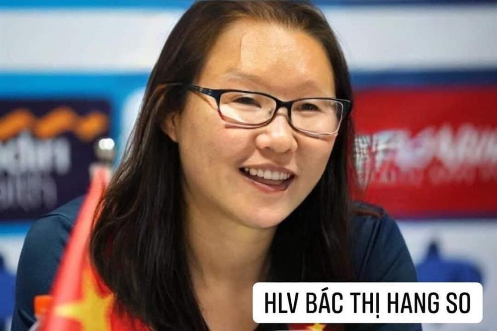 Trước trận gặp Malaysia, tuyển Việt Nam chuyển giới xinh như mộng-15