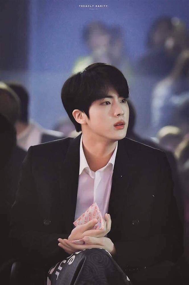 Đạo diễn Hospital Playlist tham vọng mời Jin hoặc V BTS cho dự án tới-5