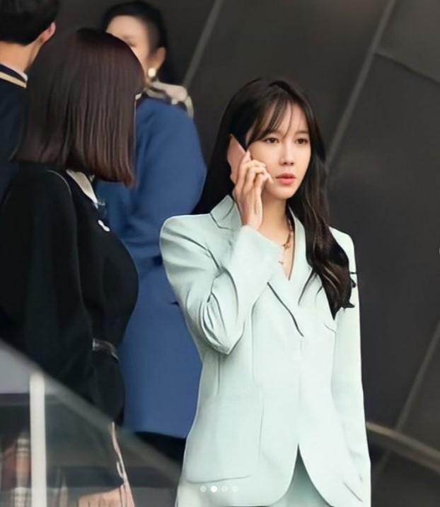 Penthouse 3: Ha Eun Buyl tạo hình mới siêu phèn, Seok Kyung bỏ mẹ về với dượng Tê-2