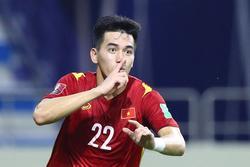 Fans Việt gọi tên Tiến Linh vì pha đánh đầu đẳng cấp thủng lưới Malaysia