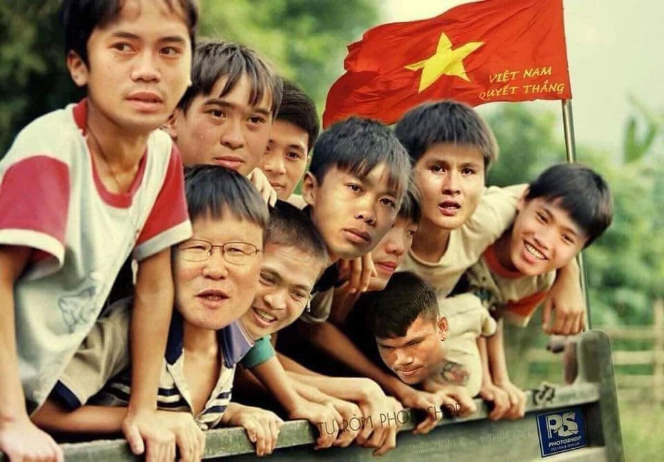 Ảnh chế trận Việt Nam - Malaysia, bà Phương Hằng được mời nhập hội-1