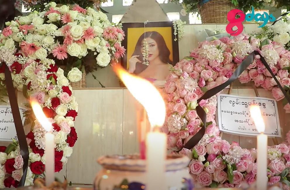 Nước mắt trong lễ tang Hoa hậu Chuyển giới Myanmar-1