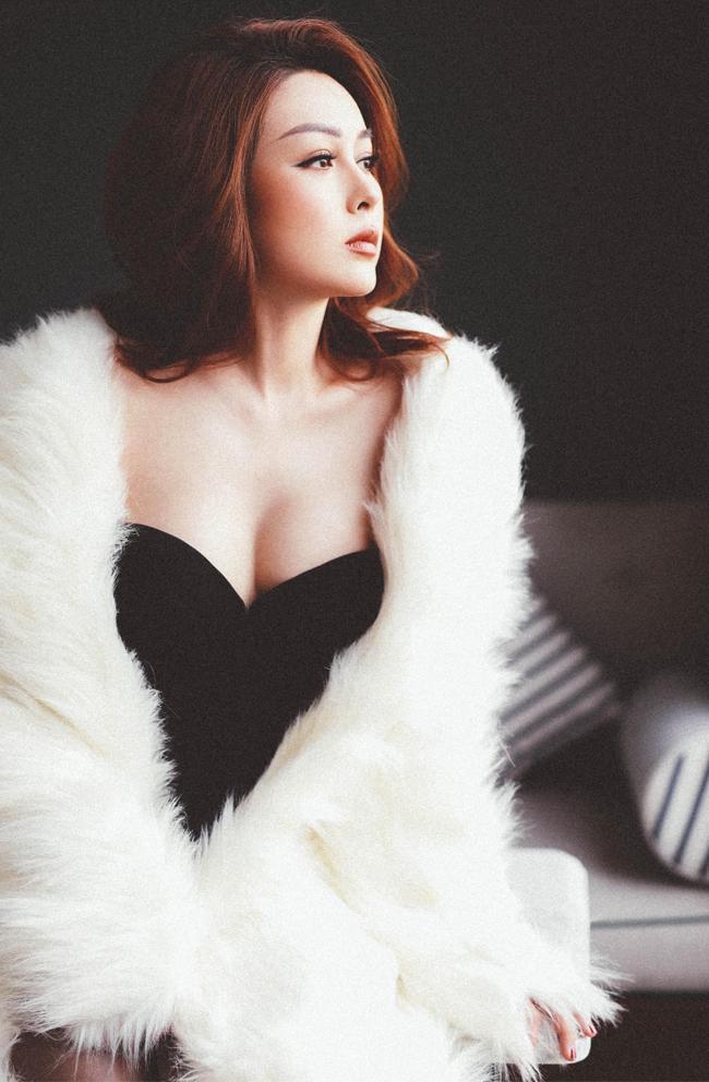 Cuộc sống dàn hotgirl gây tranh cãi vì cảnh nhạy cảm trên phim hài-13