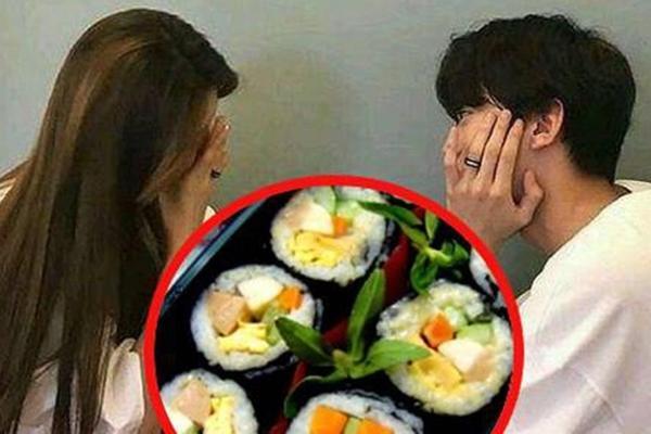 Làm cơm rồi nhờ bạn thân mang 'tặng hộ' cho người yêu thầm, cô gái gặp cú sốc lớn