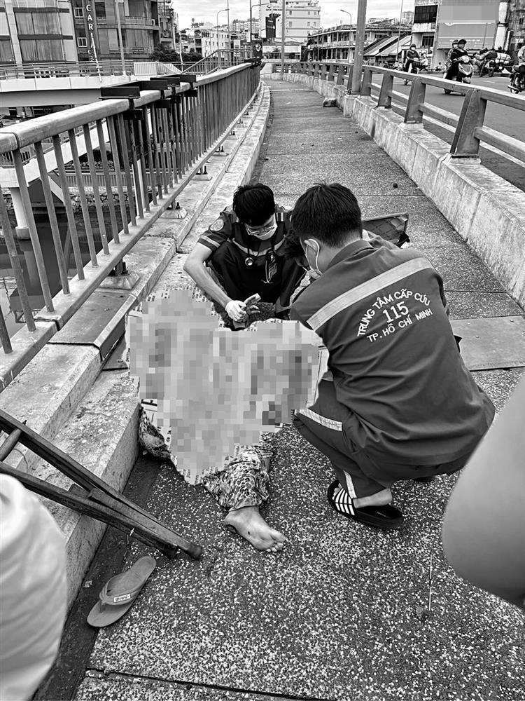 Phương Mỹ Chi hoảng sợ khi gặp người phụ nữ rạch tay trên cầu-1