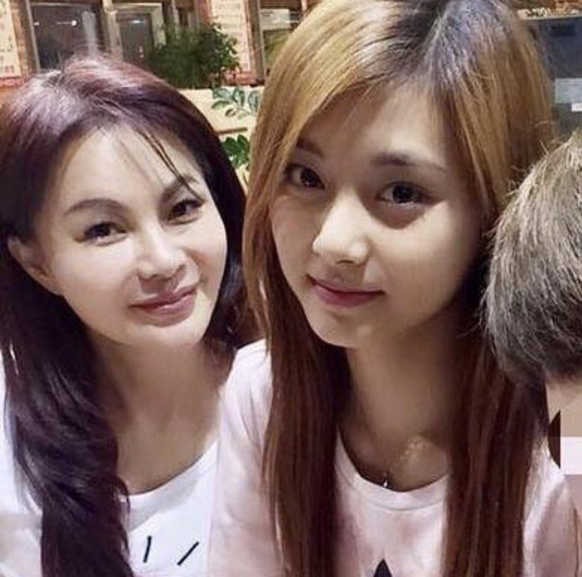 Tzuyu (Twice) đã học cách làm đẹp từ người phụ nữ này nên mới sở hữu visual đỉnh đến vậy-6