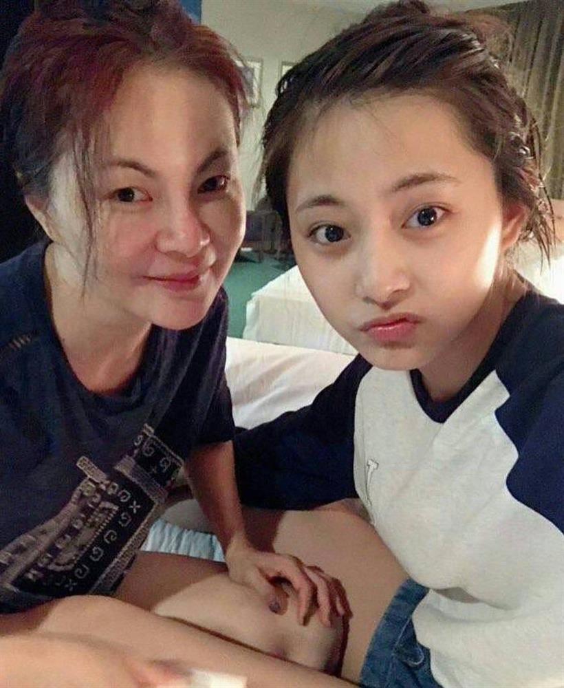 Tzuyu (Twice) đã học cách làm đẹp từ người phụ nữ này nên mới sở hữu visual đỉnh đến vậy-9