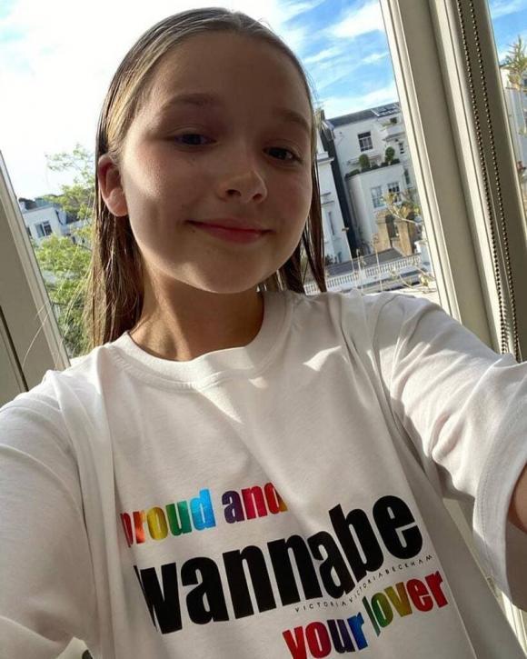 Victoria bị chê bán đồ đắt còn cho con gái Harper quảng cáo thông điệp không phù hợp-5