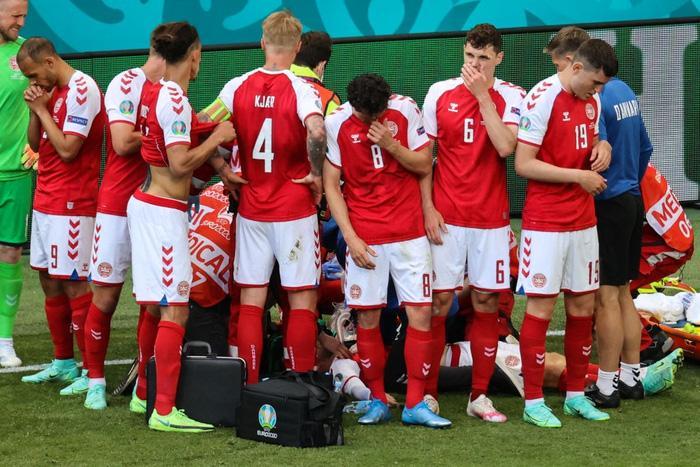 Tình hình sức khỏe cầu thủ Đan Mạch bị đột quỵ lúc thi đấu-2