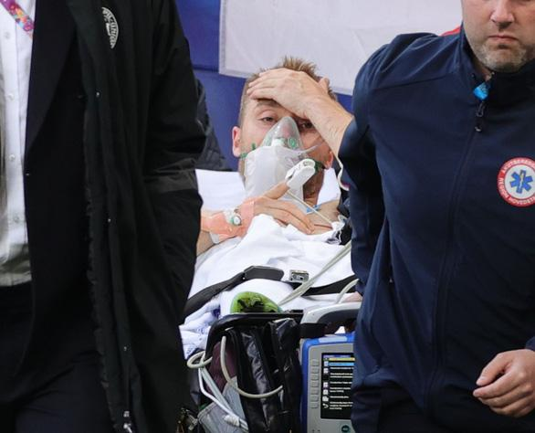 Ngôi sao bóng đá Đan Mạch bị đột quỵ khi đang thi đấu có nguy cơ giải nghệ-2