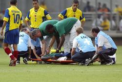 Không may như Eriksen, 5 cầu thủ qua đời ngay trên sân gồm những ai?