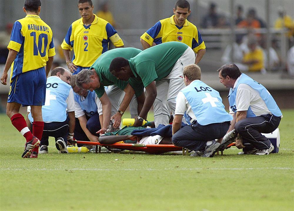 Không may như Eriksen, 5 cầu thủ qua đời ngay trên sân gồm những ai?-1
