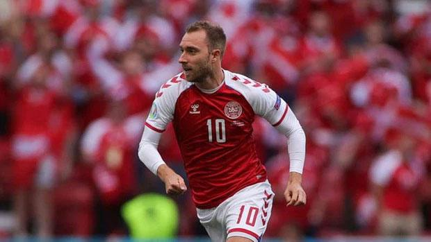 Ngôi sao bóng đá Đan Mạch bị đột quỵ khi đang thi đấu có nguy cơ giải nghệ-4