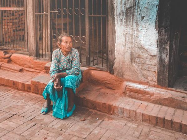 Cái nghèo biến cuộc đời khốn khổ thế nào? Những câu chuyện khiến bạn khắc cốt ghi tâm-1