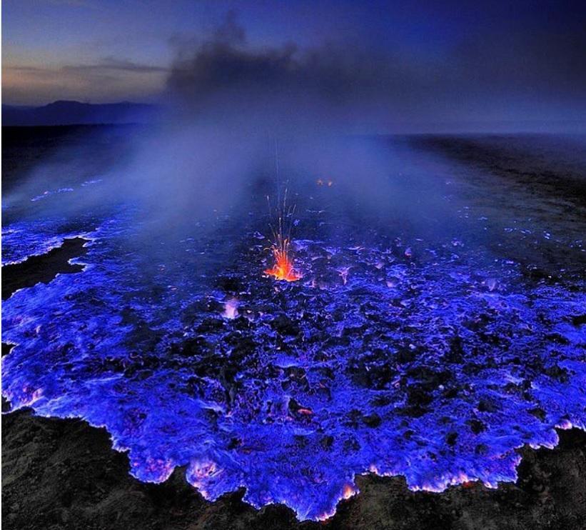Ngọn núi lửa có 1-0-2 trên thế giới sở hữu dung nham xanh-1