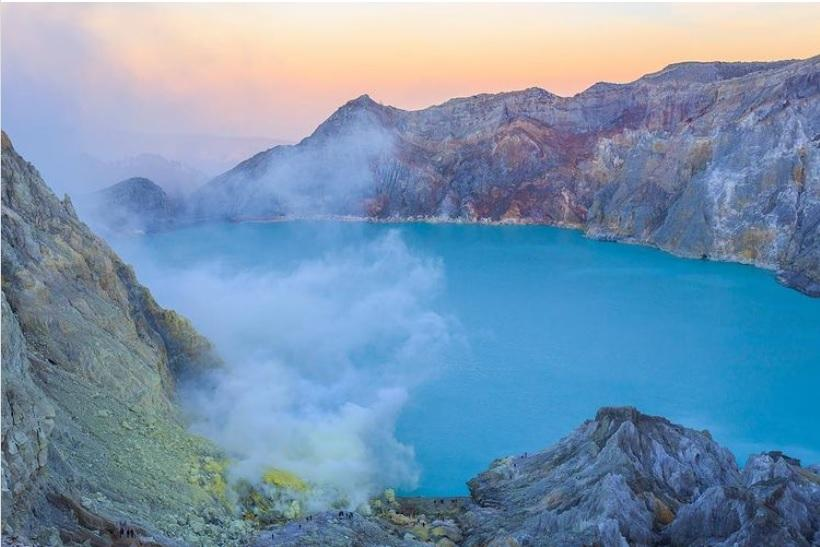 Ngọn núi lửa có 1-0-2 trên thế giới sở hữu dung nham xanh-2